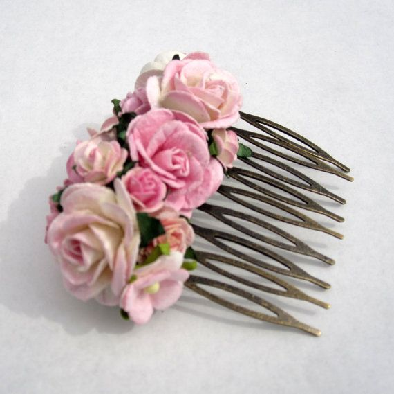 Floral Hair Comb. Floral Fascinator. Vintage. Wedding Party Haircomb. Bridal Accessory. Holiday Party Accessory. Bridesmaid Accessory