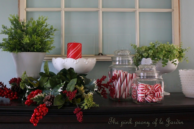 The Pink Peony of Le Jardin: christmas vignette & more (and a little freebie!)