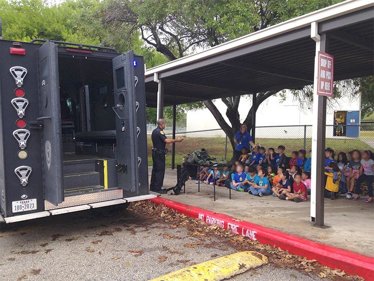 POLICE STATE INDOCTRINATION: COPS SHOW MRAP, MILITARIZED SWAT GEAR OFF TO KINDERGARTENERS Cops inculcate public school children with police state mentality