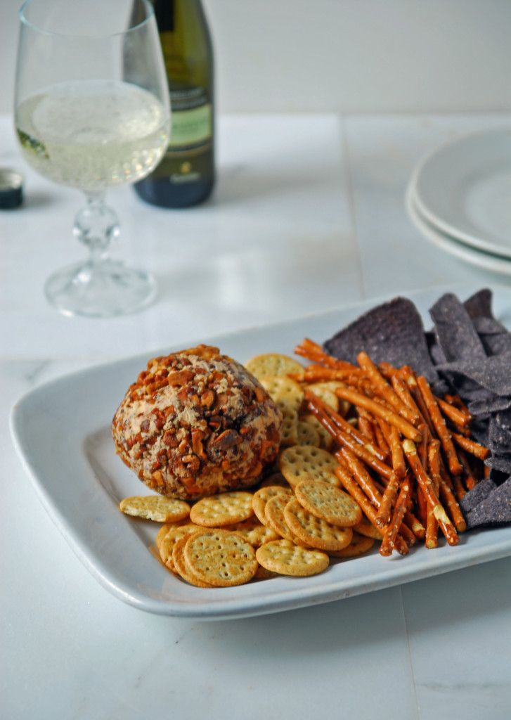 Cool lime and sriracha combine into this vegan cheeseball to create a perfect party appetizer or snack!