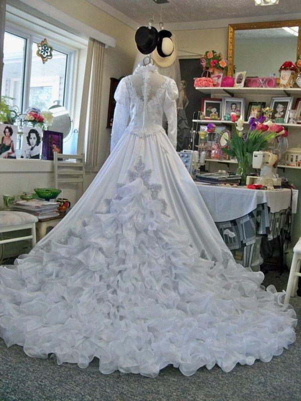 29 best Vintage Wedding Dresses images on Pinterest | Bridal dresses ...