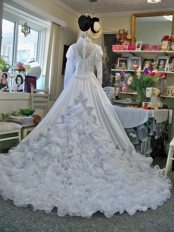 Reserved for sustainablysliced1 express shipping vintage for Queen anne neckline wedding dress