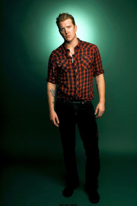 Josh Homme, you sexy beast. My absolute #1 musician mega crush....always haha.
