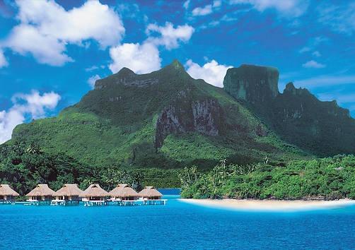 Auf Bora Bora wohnt man standesgemäß in einem Wasserbungalow.