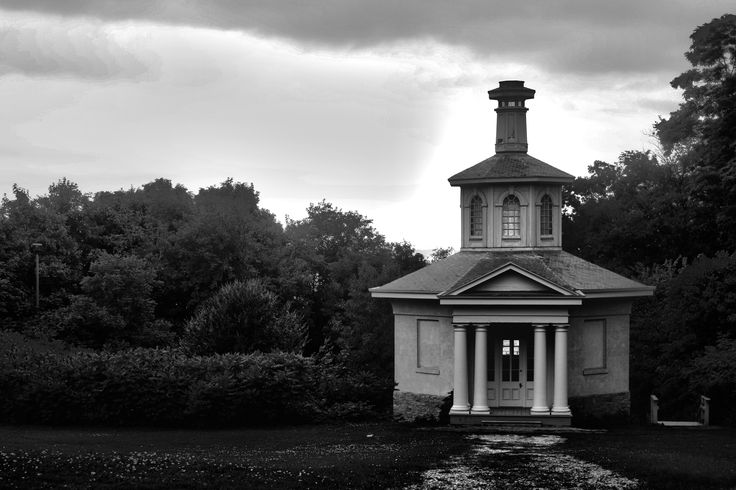 Dundurn: Fotoaction Photography. Location: Dundurn Castle