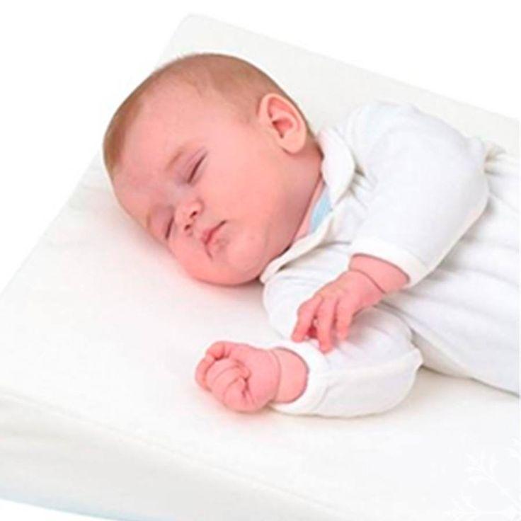 Además de ser suave y cómoda, la almohada anti-reflujo posee una cavidad para estabilizar la cabeza de tu bebé en la posición ideal para ayudar a controlar el reflujo gástrico. Toral ¡Le damos la bienvenida a la vida! ! Cómpralo en nuestra tienda virtual http://bebetoral.com/detalleitem.php?id_producto=5&id_categoria=1