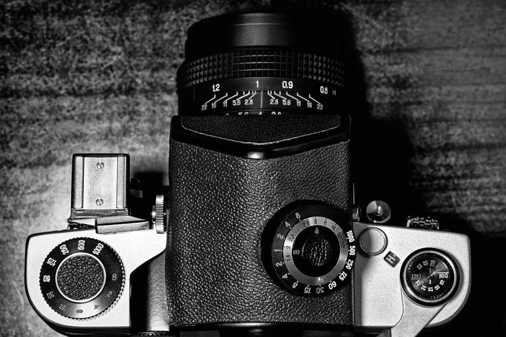 Old school of photography, as well as with Kiev-60 - it is fabulous. http://camerapedia.wikia.com/wiki/Kiev_60_TTL #photography #camera #medium #format #film #body #lens #old #school #analog #movie #memories #kiev #60 #mechanically #metal #heavy #ttl #past #kamera #mittelformat #schwer #mechanisch #objektiv #alt #vergangenheit #antik #traditionell