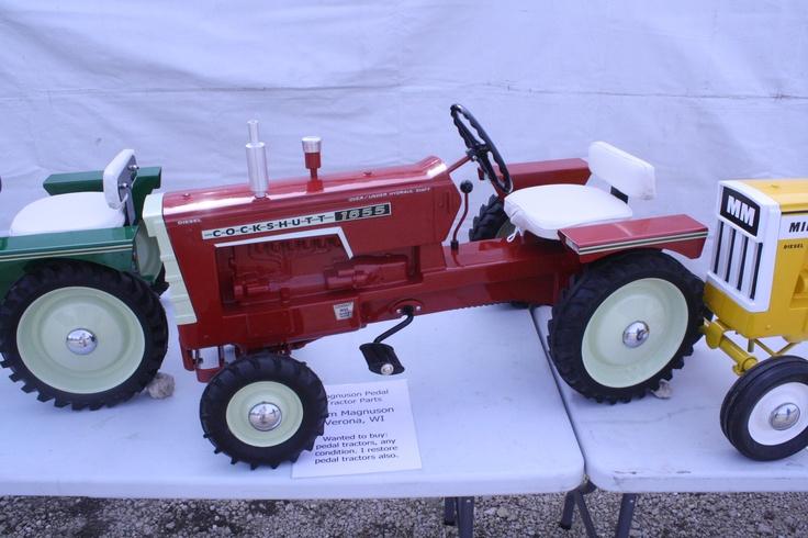 Cockshutt 1655 Pedal Tractor
