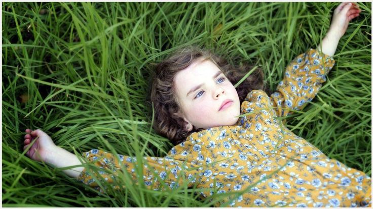 Small Girl Lying On Grass Wallpaper | small girl lying on grass wallpaper 1080p, small girl lying on grass wallpaper desktop, small girl lying on grass wallpaper hd, small girl lying on grass wallpaper iphone