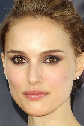 Google Image Result for http://images.totalbeauty.com/content/photos/holiday-makeup-2009-Natalie-Portman.jpg