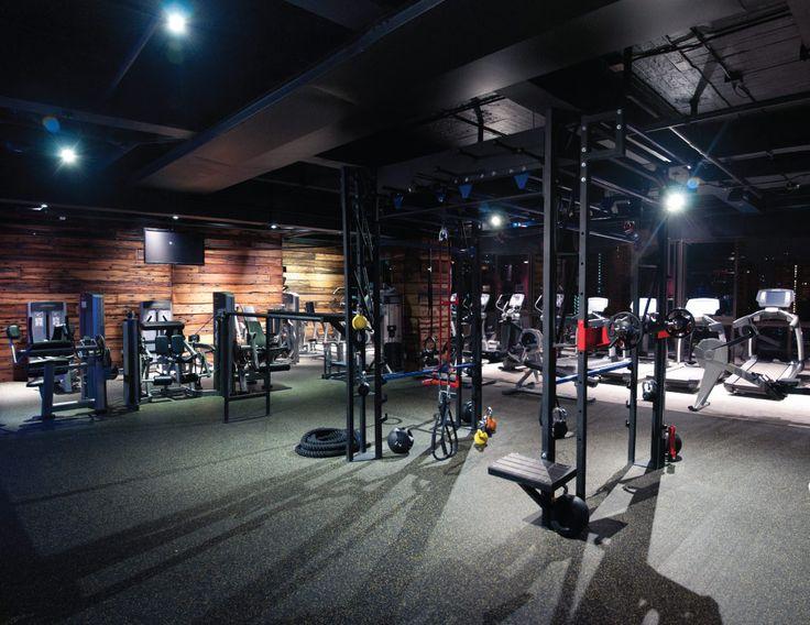 ULTRA WELLNESS CENTER empieza donde los demás gimnasios terminan, pues combina el entrenamiento tradicional, con las nuevas tendencias de acondicionamiento in/outdoor mundialmente aprobadas.