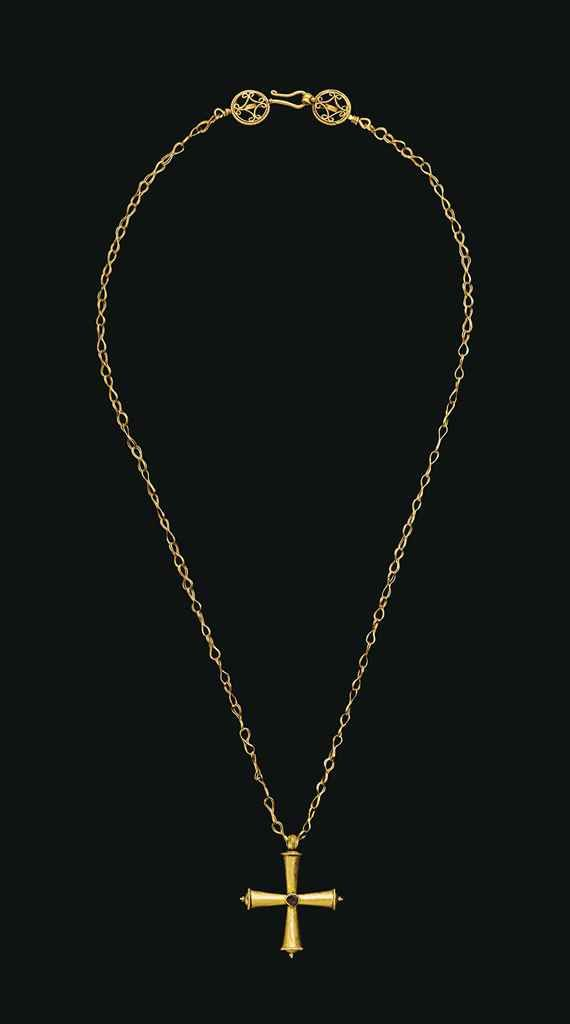 A BYZANTINE GOLD NECKLACE WITH