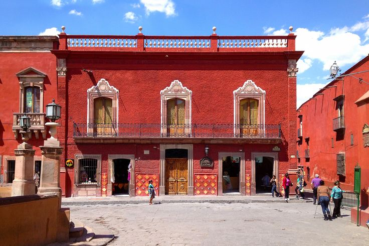 The top 10 Things to Do, See, Eat and Experience in the colonial city of San Miguel de Allende.