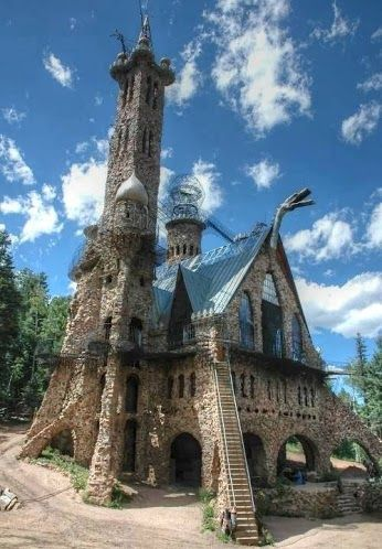 Beautiful house built by hand in Colorado :) Been there when he was still building the dragon actually breaths fire.