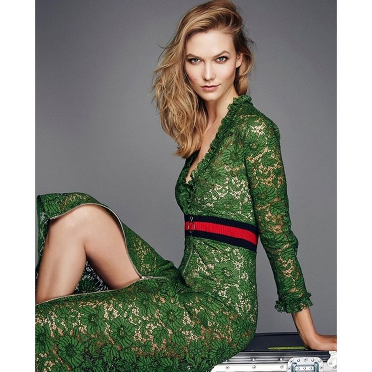 Women's Long Sleeve Green Lace Dress Gender: Women Waistline: Natural Decoration: Lace Sleeve Style: Regular Material: Polyester, Lace Dresses Length: Mid-Calf Neckline: V-Neck Silhouette: A-Line Slee