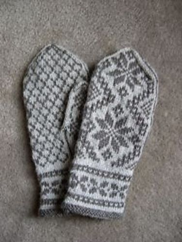 Ravelry: Project Gallery for Rigmor's Selbu mittens pattern by Rigmor Duun Grande