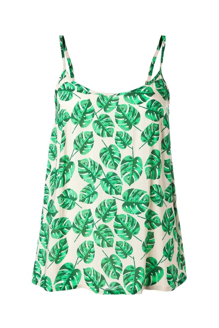 Müzik festivalleri başladı. Bu egzotik desenli Vero Moda bluz kısa şortlarla giymek için ideal. / Music festivals started. This exotic Vero Moda top is great with shorts.