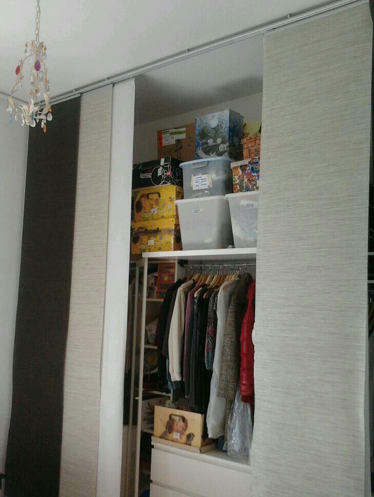re-cycle ikea: librerie billy, malm cassettiere, altonius scaffali, contenitori cambio di stagione, tende per custodire un immenso 4 stagioni...! :-)
