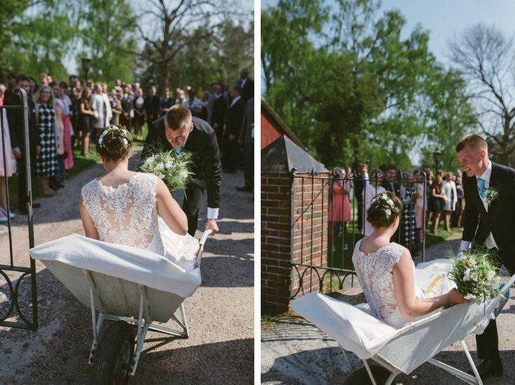Instead of a wedding car, a wedding wheel barrow for a rustic  farm inspired wedding. Julia Lillqvist | Ninni and Einar | Kimito bröllopsfotograf | http://julialillqvist.com