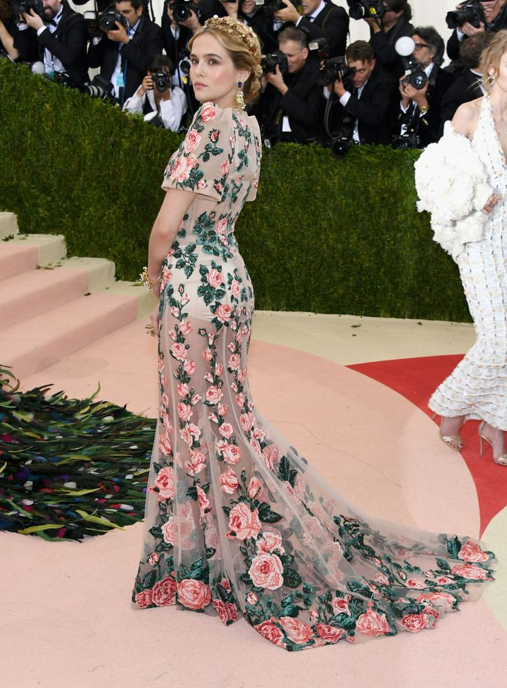 theStyleShake | Fashion / Celebrity Style / Event Dressing / Red Carpet | Zoey Deutch in a beautiful floral floor-length gown / dress at the 2016 Met Gala