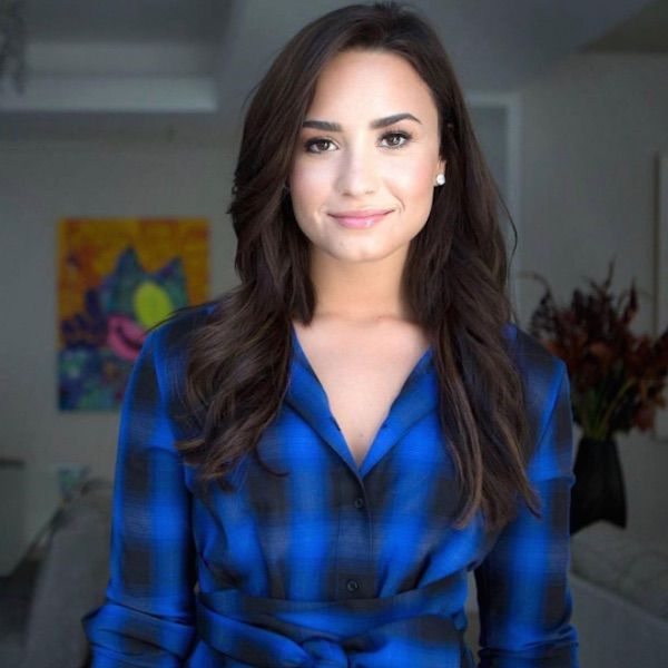 """Demi Lovato Is """"Living Proof"""" That Any One Can Live With A Mental Illness - http://oceanup.com/2016/12/01/demi-lovato-is-living-proof-that-any-one-can-live-with-a-mental-illness/"""