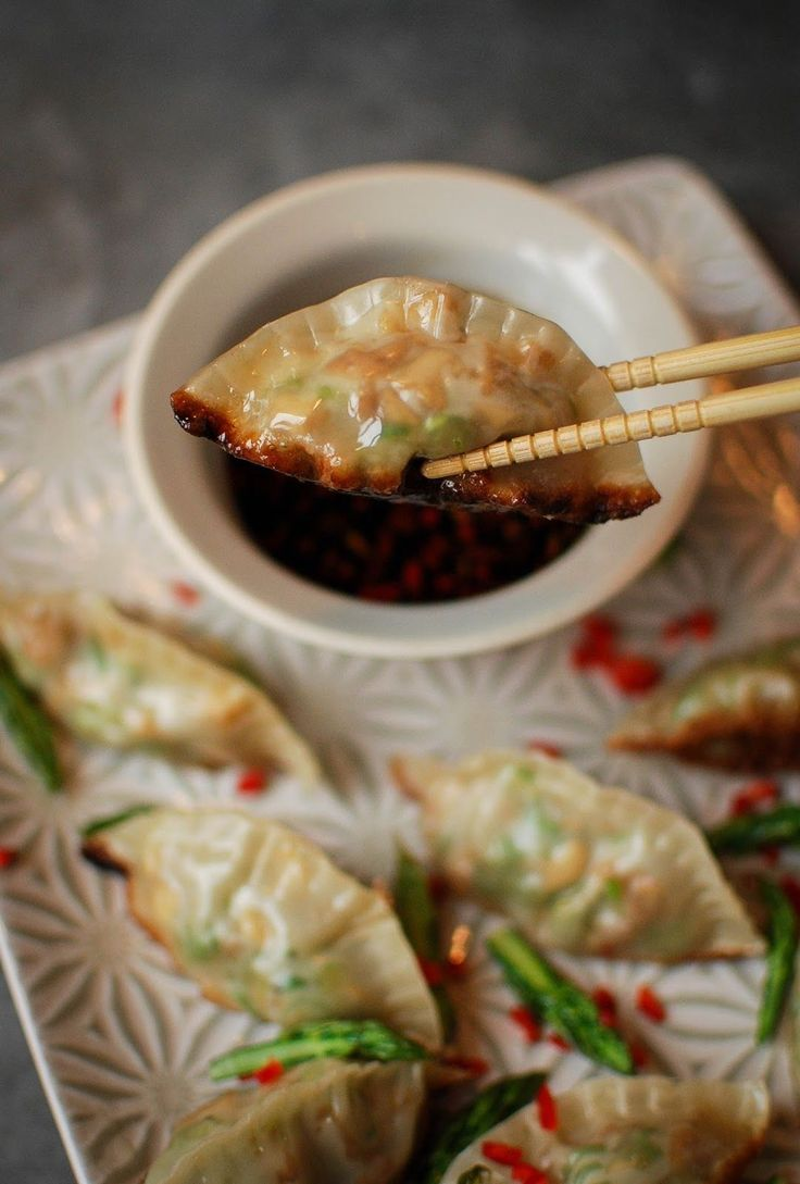 These little steamed dumplings are the perfect treat for vegan and vegetarian diets.