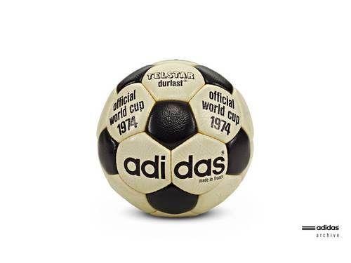 adidas Telstar Durlast bola resmi Piala Dunia 1978 di Jerman Barat