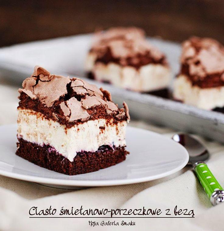 Ciasto śmietanowo-porzeczkowe z bezą