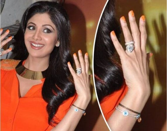 Our 12 Favourite Engagement Rings From Bollywood And The Stories Behind Them Gold Mangalsutra Designs Mangalsutra Bracelet Favorite Engagement Rings