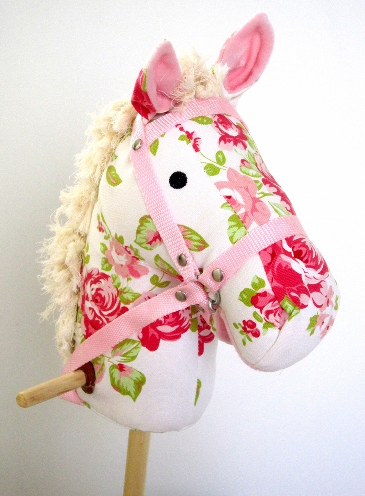 Shabby Hobby Horse - Hmmm is auntie Katie good enough to make this for miss Zoe's birthday ??