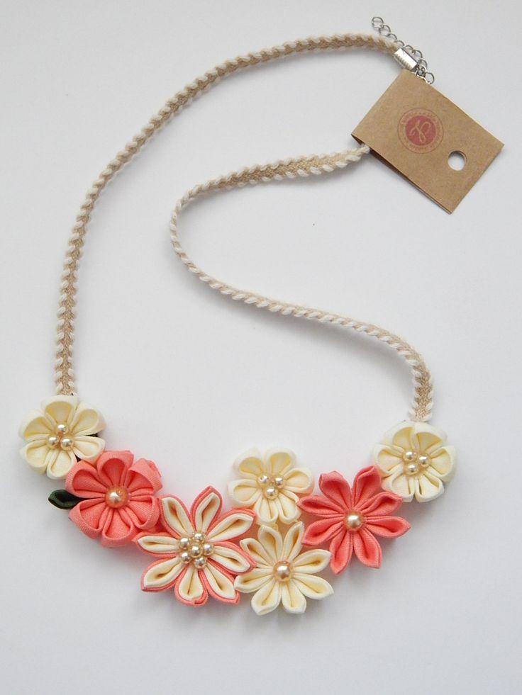 Kanzashi necklace Flower statement necklace por LilsHandmadeGarden