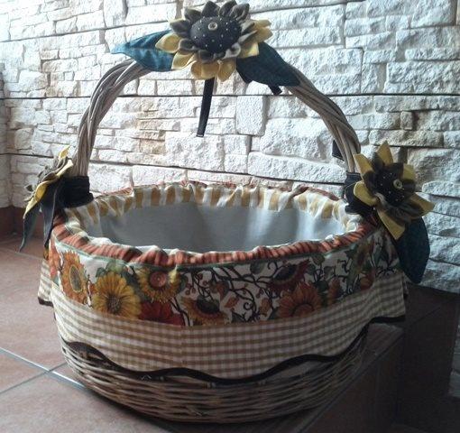 Cesto girasoli, realizzato in stile country con tema girasole.