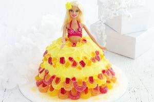 Hawaiian hula girl cake