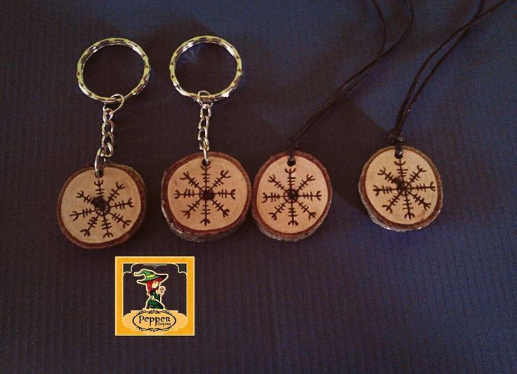 llaveros pirograbados mas collares con simbolo vikingo