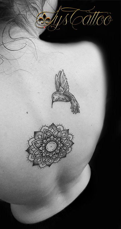 tatouage dos, colonne vertébrale, femme, mandala floral et