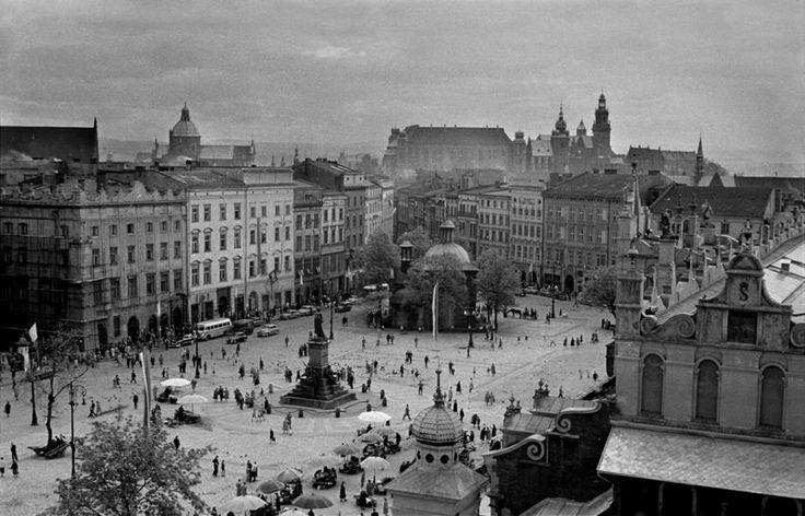 Cracov , 1959, W 1956 roku po powrocie do Londynu kupił sprzęt fotograficzny i został fotoreporterem. już jako uznany twórca, w 1962 roku, związał się z Wi...