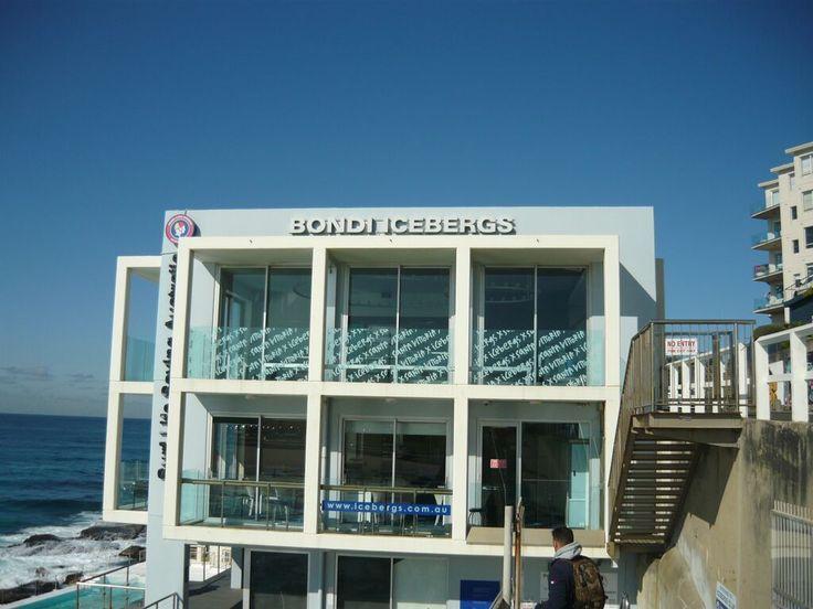 Bondi Beach. Bondi Icebergs Club.