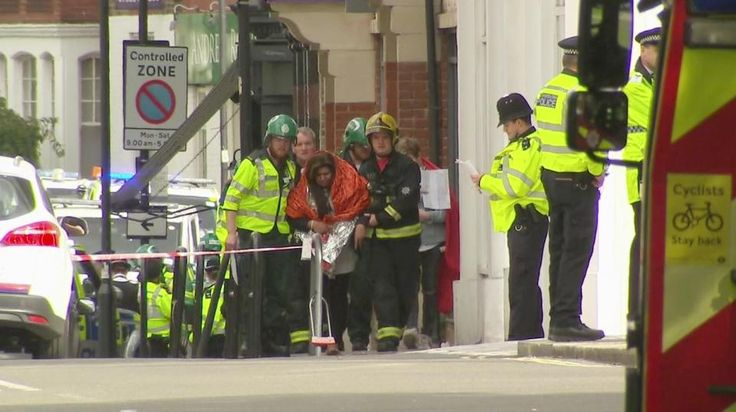 Parsons Green terror attack – live updates: Police manhunt after passengers escape IED explosion | Frank Told Me