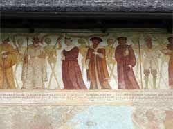 Chiesa di San Vigilio - Pinzolo - Danza macabra - parte centrale dell'affresco raffigura il ballo: