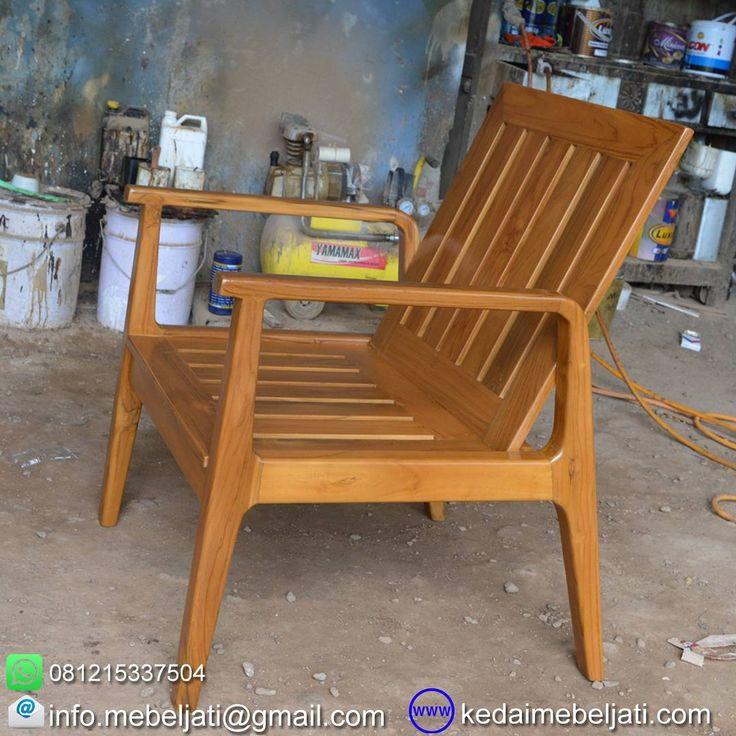 Kursi tamu minimalis kayu jati vintage style.  Bahan : kayu jati grade B.  Finishing : Natural warna kayu.  Ukuran : lebar 50 x depth 55 x tinggi 95 cm.  Harga : kontak kita atau tinggalkan komentar untuk harga yg up to date ya.  Kontak : Zulham efendi Hp/watsapp : 081215337504 Office : 02914298079 Email : info.mebeljati@gmail.com Homepage : kedaimebeljati.com  Tags : #KursiTamu #KursiTamuJati #SofaMinimalis #KursiTamuMinimalis #SofaJati #VintageFurniture #VintageStyle #KursiRuangTamu…