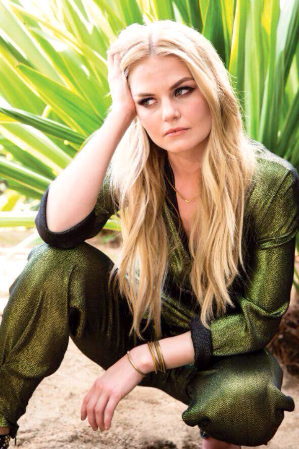 Jennifer Morrison, she looks gorgeous in that photoshoot !