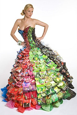 gownRecycle Cans, Plastic Bags, Cardboard Boxes, Candies Wrappers, Recycled Fashion, Recycle Fashion, Paper Dresses, Gowns, Bottle