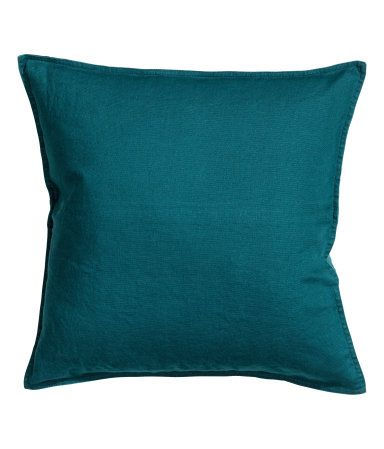 PREMIUM QUALITY. Cushion cover in washed linen with concealed zip. | H&M US