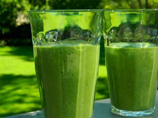 Kale, Avocado and Grape Breakfast Smoothie