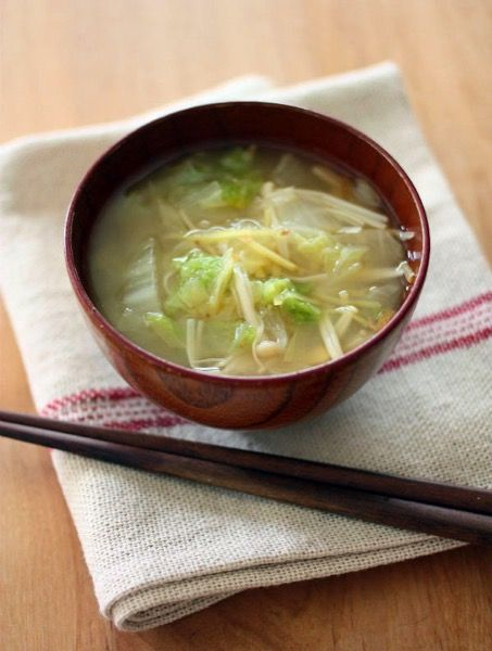 とろとろ白菜のしょうが味噌汁 by 山本路子(みるまゆ) | レシピサイト ...