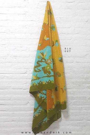 Full 3-Dimension Batik Tulis  Length of Fabric : +/- 200 cm  Breadth of Fabric : +/- 110 cm  Material : Cotton