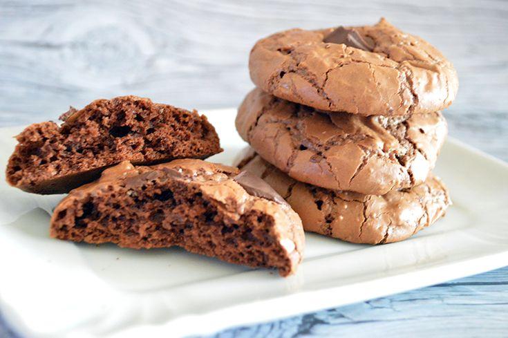 100% Biscotti al cioccolato, una vera golosità - I biscotti al cioccolato 100% sono per veri golosi. Una ricetta veloce da preparare e davvero semplicissima che viene dal libro Regali Golosi di Sigrid Verbert. Anche questi, come i cantuccini, sono stati i protagonisti …