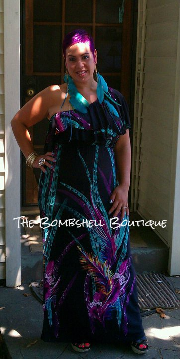 This plus size diva rocks in her maxi dress from The BombShell Boutique.  Website: www.thebombshellboutique.net