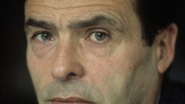 """Deuxième épisode de la série """"A voix nue"""" consacrée à Pierre Bourdieu sur France Culture en 1988. Pour Pierre Bourdieu, les vérités sociales mises au jour par les outils spécifiques des sociologues font advenir plus de transparence et permettent un progrès dans le sens de la démocratie."""