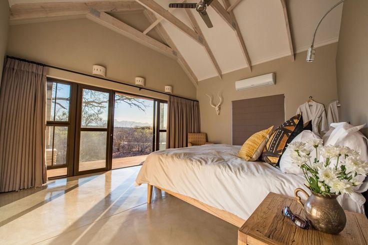 Another look at the Main bedroom - painted in Midas Envirolite Midafelt 225 - LEKKER VOORTREKKER.
